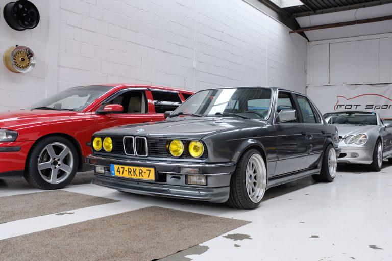 BMW E30 325e M52B28